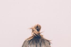 pink-hair-selfie-bun_kleiner